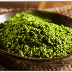 What is matcha? Starbucks has a variety of sweet and delicious Matcha drinks. Here's a list of the best Starbucks Matcha drinks that you must try at least once! Matcha Drink, Matcha Smoothie, Green Smoothie Recipes, Green Smoothies, Matcha Tea Benefits, Low Calorie Breakfast, Matcha Green Tea Powder, Green Powder, Smoothie Ingredients