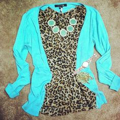 Old Navy cheetah tank, Banana Republic necklace, and Forever 21 cardigan. Looks Style, My Style, Traje Casual, Teal Cardigan, Look Fashion, Womens Fashion, Trends, Swagg, Passion For Fashion