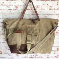 Image of Travel Bag Leather and old canvas (man or Woman)