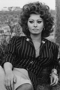 Celebrating Sophia Loren - Vintage Photos of Sophia Loren - Elle