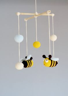Baby Mobile Bee Mobile Crochet Hanging Crib by YarnBallStories - Amigurumi Crochet Baby Mobiles, Crochet Mobile, Crochet Baby Toys, Hanging Crib, Hanging Mobile, Green Girls Rooms, Mobiles For Kids, Mobile Kids, Mobile Mobile