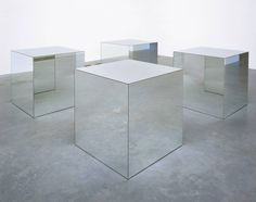 Photos d'art minimaliste Pictures of minimalist Art Robert Morris Robert Morris, Minimal Art, Art Cube, Instalation Art, Art Criticism, Art Terms, Tate Gallery, Mirror Art, Mirrors