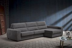 Roy. Sofa cama con chaise longue / Sofa-bed and chaise longue