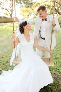 Very cute rope swing wedding portrait. Captured By: Vine and Light Photography ---> http://www.weddingchicks.com/2014/05/14/soft-southern-vintage-wedding/
