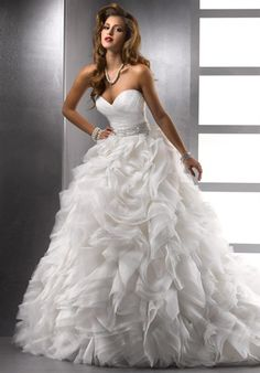 I love this dress and it's close to me! ahh #wedding #wedding dress #beautiful