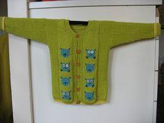 Ravelry: Babys Owl jacket pattern by Hjertegarn