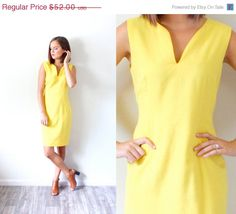 20% OFF HALLOWEEN SALE Vintage yellow mod dress // mini summer dress // fitted dress // body con dress // business dress // knee length dres