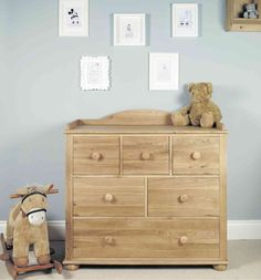 Don't you just love versatile furniture? This unit is simply wonderful. Designed as a changing unit for your child's younger years, it also doubles up as a beautiful chest of drawers ideal for storing clothing, toys and other bits and bobs. It features 6 perfectly sized drawers, each fitted with stoppers that make them ultra-safe. £599