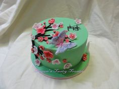Japanese cherry blossom cake. #prettycake #cherryblossomcake A tasty white chocolate and macadamia nut mud cake.