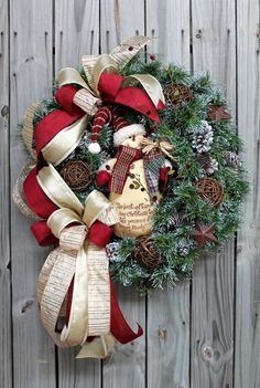 A Happy Primitive Snowman, Christmas Wreath - Christmas Wreaths - Holiday Wreaths - Wreaths http://floralsfromhome.com