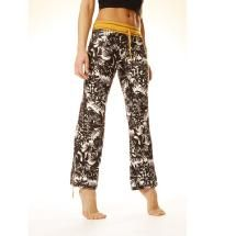 I kinda love these.... would be cute travel pants instead of jeans.  Malibu Pants by Yogin