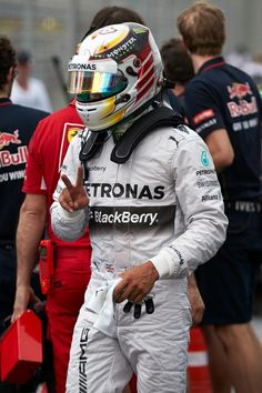 Happy Lewis Hamilton after qualifying - 2014 Australian GP