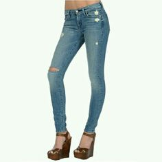 """SOLD SOLD!!! 7 For All Mankind Ankle Length Skinny Vintage 7 Collection. The Skinny second skin legging jean. Inseam 29"""". 7 for all Mankind Jeans Ankle & Cropped"""