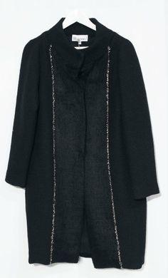 Cappotto nero con preziose rifiniture in oro - Autunno Inverno - Atelier Altrecose