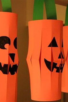 Halloween Decorations For Kids, Halloween Arts And Crafts, Family Halloween, Arts And Crafts Projects, Christmas Crafts, Halloween Party, Diy And Crafts Sewing, Crafts For Girls, Drawing