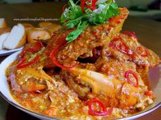 Annielicious Food: BEST Singapore Chilli Crab (辣椒螃蟹) - (AFF - Singapore : Chef Master Classes & Violet Oon's recipe, as a guide, with modification) Asian Crab Recipe, Chilli Crab Recipe, Crab Recipes, Asian Recipes, Ethnic Recipes, Asian Foods, Chinese Recipes, Yummy Recipes, Crab Dishes