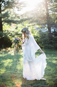 boho chic weddings - photo by Laurels & Stars Photography http://ruffledblog.com/wisconsin-bohemian-wedding-ideas