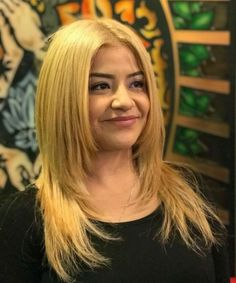 Explicitly Beautiful Golden Blonde Hairstyles 2020 for Round Faces Chic Hairstyles, Easy Hairstyles For Long Hair, Latest Hairstyles, Blonde Hairstyles, Straight Hairstyles, Medium Hair Styles, Curly Hair Styles, Hair Styler, Golden Blonde