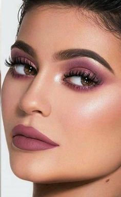 Summer Makeup Guide – How To Rock This Season's Trends - Page 6 of 6 - Stylish Bunny Glamorous Makeup, Glam Makeup, Makeup Inspo, Makeup Inspiration, Beauty Makeup, Hair Beauty, Best Makeup Tips, Makeup Guide, Matte Lipsticks