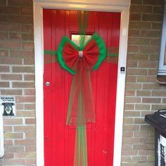 Door Bows Christmas, Christmas Decorations, Xmas, Door Wreaths, Doors, Hair, Christmas, Navidad, Noel