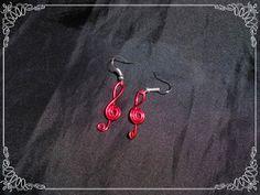 Pendientes musicales, clave de sol.  Disponibles en varios colores: rojo, rosa, chocolate, negro, plata, azul, celeste, dorado, verde.