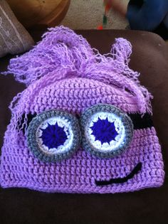 Purple minion hat Crochet 101, Crochet Kids Hats, Crochet Bebe, Crochet Crafts, Crochet Hooks, Crochet Patterns, Crocheted Hats, Hat Patterns, Yarn Projects