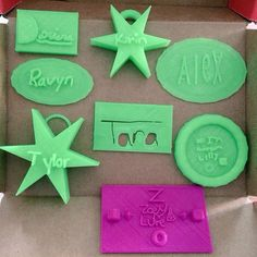 -12 yr old #techgyrls in #Lancaster PA #3Dmodeling + #3Dprinting their #STEM camp nametags in Morphi. Many thx to superteacher @DonDagen! These models were printed on a Robo3D printer using glow in the dark PLA. #design