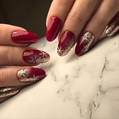 What Christmas manicure to choose for a festive mood - My Nails Xmas Nails, New Year's Nails, Holiday Nails, Red Nails, Hair And Nails, Christmas Nails 2019, Red Manicure, Christmas Manicure, Holiday Makeup