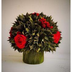 dekoračná kytica s balzamovanými  ružami 20 x 20 cm