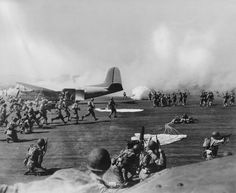 US paratroopers conducting maneuvers, 1942