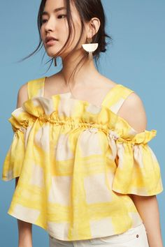 Radiate positive vibes with this sunshine yellow gingham cold-shoulder top. Retro Mode, Crop Top Outfits, Looks Style, Western Wear, Pretty Outfits, Gingham, Blouse Designs, Blouses For Women, Ideias Fashion