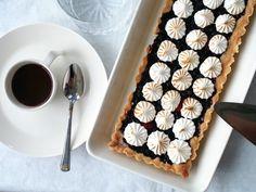 Kuningatarpiirakka marenkihunnulla Sweet Pie, Baking, Desserts, Pastries, Christmas, Tailgate Desserts, Xmas, Deserts, Bakken