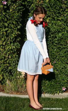 Diy Dorothy Costume Awesome A Brunette S Halloween. Modest Costumes, Easy Halloween Costumes For Women, Best Friend Halloween Costumes, Homemade Halloween Costumes, Halloween Kostüm, Halloween Outfits, Group Halloween, Halloween Parties, Halloween Decorations