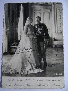 Grace Kelly Wedding, Princess Grace Kelly, Prince Rainier, Monaco Royal Family, Royal Weddings, Princess Wedding, Celebrity Weddings, Wedding Portraits, Royalty