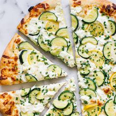 An easy summer pizza recipe made with fresh zucchini, garlic, lemon, goat cheese, mozzarella and chives. FULL RECIPE HERE Part of me was d. Zucchini Pizza Recipes, Zucchini Pizzas, Quiche, Vegetarian Recipes, Cooking Recipes, Healthy Recipes, Good Pizza, Lemon Recipes, Chapati