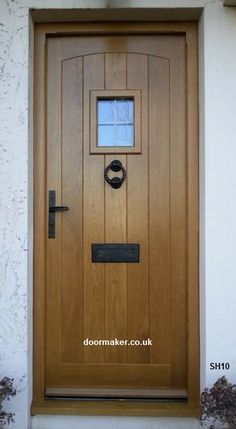 The Do-It-Yourself Home Improvement Tips! Cottage Front Doors, Cottage Porch, Wood Front Doors, House Front Door, Oak Doors, Entrance Doors, Wooden Doors, Doorway, Porch Windows