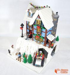 Lego Christmas Sets, Lego Christmas Village, Lego Winter Village, Lego Gingerbread House, Gingerbread Christmas Decor, Lego Sets, Legos, Lego Creations Instructions, Casa Lego