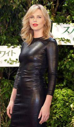 Кожаное платье 2015 - фото