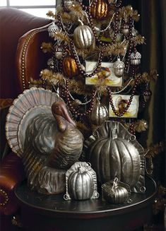Old Pumpkin Molds & Turkey...Thanksgiving Tree.