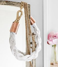 Smart: Wrap cotton venetian-blind cord together to make a chunky necklace. #jewelry #diy #crafts