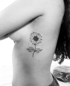 The phenomenon of flower tattoos in blackwork and fineline – tattoos for women meaningful Leo Tattoos, Forearm Tattoos, Future Tattoos, Black Tattoos, Small Tattoos, Tatoos, Wild Rose Tattoo, Flower Tattoo On Ribs, Sunflower Tattoo Small