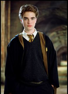 Robert Pattinson as Cedric Diggory in 'Harry Potter and the Goblet of Fire'. Three years after 'Goblet of Fire' premiered, Pattinson became an international star when the first 'Twilight' film appeared in Harry Potter Tumblr, Harry Potter World, Images Harry Potter, Estilo Harry Potter, Harry Potter Goblet, Saga Harry Potter, Mundo Harry Potter, Harry Potter Characters, Harry Potter Uniform