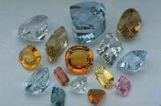 Natural Topaz color range at the Museum of Natral History, Smithsonian Diy Schmuck, Schmuck Design, Minerals And Gemstones, Rocks And Minerals, Topaz Gemstone, Amethyst, Gem Meaning, Silicate Minerals, Topaz Color