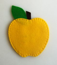Amazing tutorial of felted apples (you have to see them all!) What a cute teacher gift.