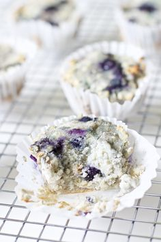 Deliciously soft & crunchy with an explosion of flavour. A healthy breakfast snack that's low in carbs and high in nutrients for weight loss. Save money every morning by warming one up and go! Paleo Muffins | Blueberry Muffins | Weight Loss | Low Carb | L http://healthyquickly.com