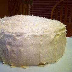 Lemon Coconut Chiffon Cake and Lactose-Free Buttercream Icing Lactose Free Cakes, Lactose Free Butter, Lactose Free Ice Cream, Lactose Free Desserts, Lactose Free Recipes, Fodmap Recipes, Gluten Free, Sweet Recipes, Cake Recipes