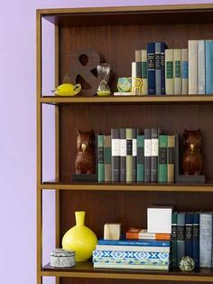 15 Ideas for Shelf Displays   Midwest Living