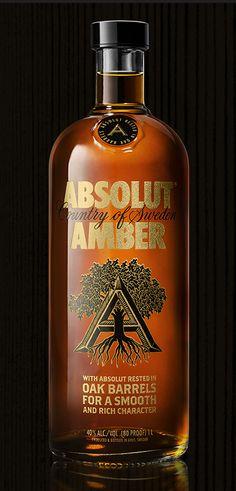"Absolut Amber ""Oak Aged"" Vodka. Can take a place next to the bourbon, scotch… Mais"