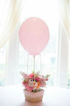 Love this centerpiece idea for a hot air balloon party! Perfect for a baby shower or birthday! Spongebob Birthday Party, Adult Birthday Party, Hot Air Balloon Centerpieces, Balloon Decorations, Centerpiece Flowers, Baby Shower Balloons, Birthday Balloons, Balloon Party, Baby Shower Table Decorations