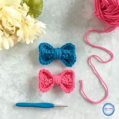 Use this free crochet pattern to make a bow perfect for adding that  finishing touch you need for a bag, hat, ear warmer and more!
